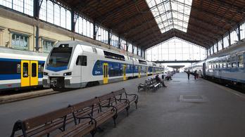 Vácra és Monorra jár majd az emeletes vonat