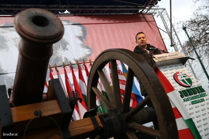 Toroczkai a Jobbik március 15.-ei rendezvényén 2016-ban.