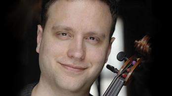 Szűcs Máté, a Berlini Filharmonikusok szólóbrácsása az Ötödik szimfóniáról