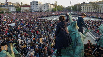 A Fidesz-többség megszavazta a civiltörvényt