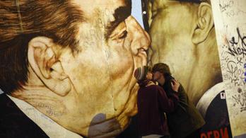 Németország falat épít, hogy megóvja a berlini falat