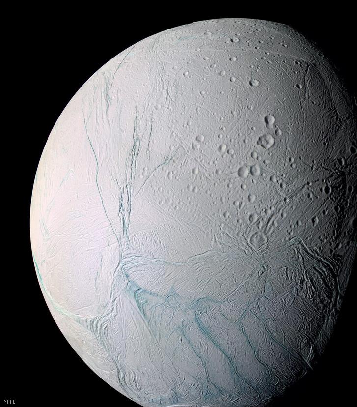 Az Enceladus