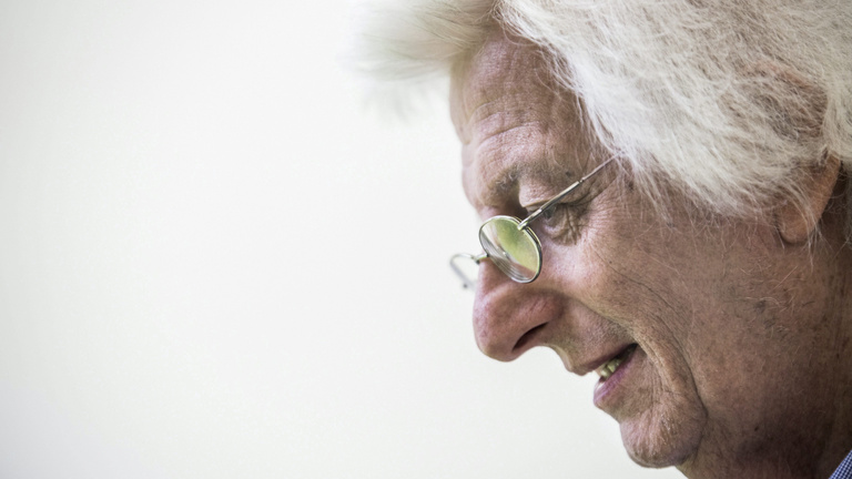 Nem hős, nem áruló, csak prózaíró - 67 éves lenne Esterházy Péter