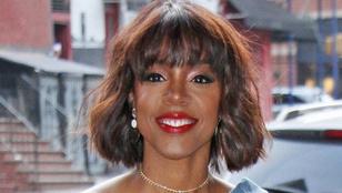 Nem hiszi el, hogy miért nagyobbíttatja meg melleit a Destiny's Childos Kelly Rowland!