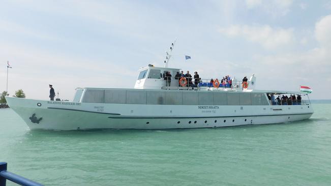 Már úszik a Balaton 2. akadálymentes hajója