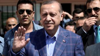 Megnyílt az út Erdoğan teljhatalma előtt