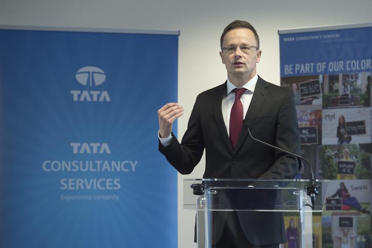 Szijjártó Péter külgazdasági és külügyminiszter a Tata Consultancy Services sajtótájékoztatóján