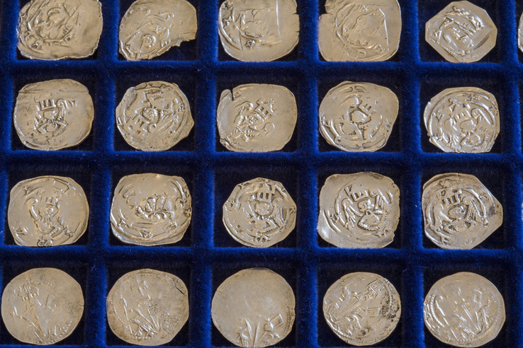 620 darab friesachi ezüstdénárt tartalmazott a lelet
