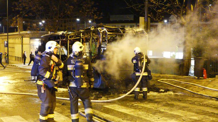 Teljes terjedelmében égett a busz.
