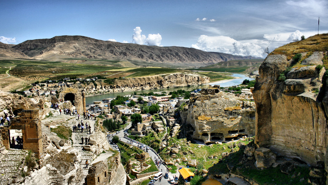 Egy óriásgát miatt árasztanak el egy ősi települést Délkelet-Törökországban
