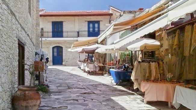 Szamártejes falusi romantika a szerelem szigetén