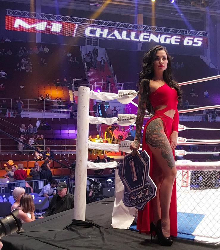 Anderson az M-1 orosz MMA-szervezet meccseihez járul hozzá impozáns látványával.