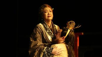 Egzotikus filmek világát varázsolja a Víg színpadára a kínai színház