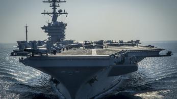 Nem Észak-Koreához, hanem az ellenkező irányba hajóztak az amerikai hadihajók