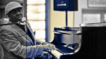 Fantasztikus jazz-zongorista az internet új sztárja