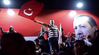 A török választási bizottság szerint nem történt csalás a népszavazáson