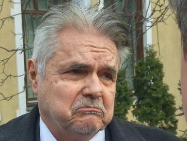 140 óra közmunka helyett 450 ezer forintot kell fizetnie Oszter Sándornak ittas vezetés miatt