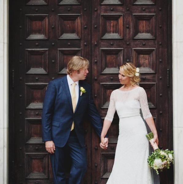 Jo és férje 2015 januárjában házasodtak össze, a nő azonban rájött, fogalma sincs, hogy kell tökéletes feleségnek lenni, és fenntartani a boldogságot egy kapcsolatban.