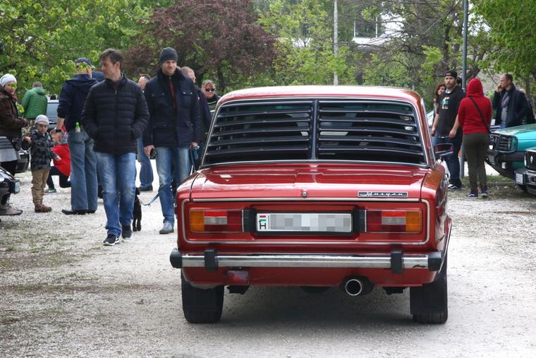 A keleti blokkos autókiegészítők egyik legjellegzetesebb darabja: a nelásskirács