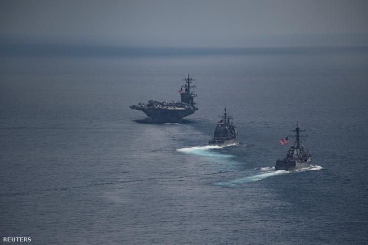 A USS Carl Vinson, USS Michael Murphy és a USS Lake Champlain