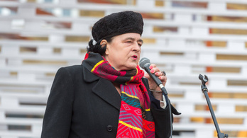 Lenyomta a fideszes jelölt Dopemant és a lelkésznőt Józsefvárosban