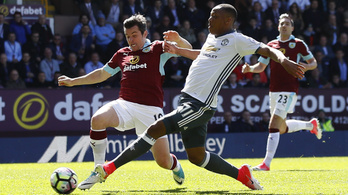 Egy gól, ami miatt 8,5 millió fontot kell fizetnie az MU-nak