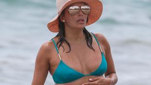 Mindenki megnyugodhat: Eva Longoria megtalálta a bikinijét