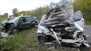Halálos autóbaleset volt Monor és Monorierdő között
