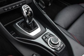 BMW: a kézi váltó halott