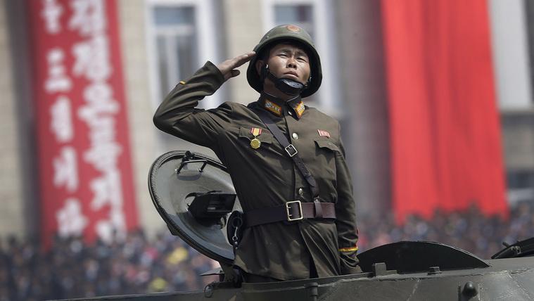 Észak-Korea egy kis lövöldözéssel ünnepelte a hadsereg napját