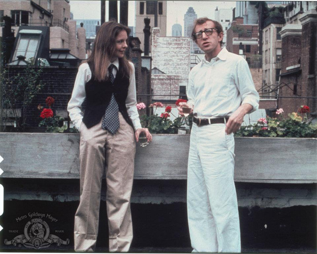 40 éve öltözünk Annie Hallnak.