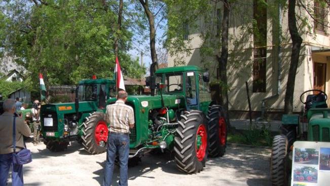 Távoli országok ételeivel és régi traktorokkal ünnepelhetünk Pestszentimrén a hétvégén