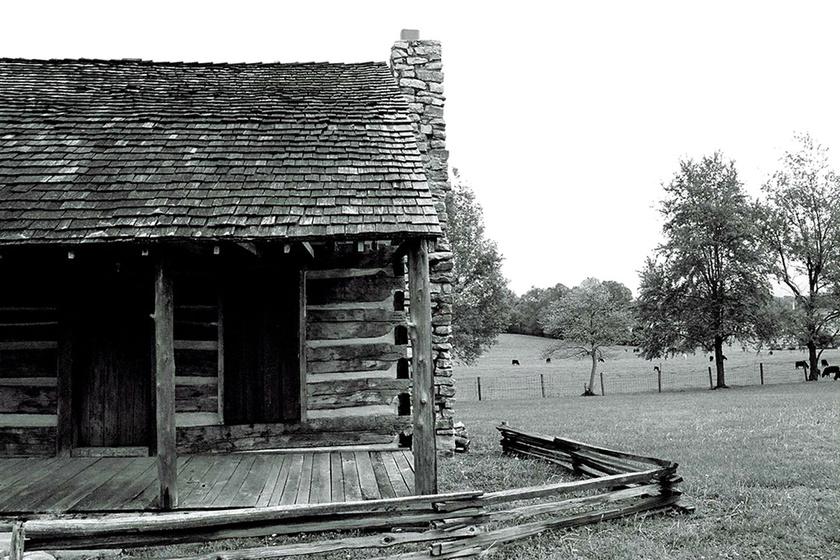 A képen látható Bell-farm mellett élt Kate Batts. Meggyőződése volt, hogy szomszédja, John Bell megkárosította némi földterülettel. Halálos ágyán sem bocsátott meg, és megígérte, visszatér bosszút állni.