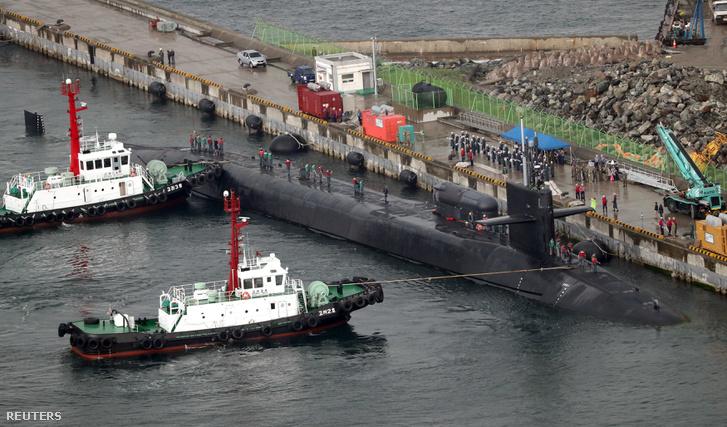 A Michigan a dél-koreai Busan tengerészeti bázison