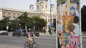 700 euróra büntetik, aki áttolja a bringáját a parkon