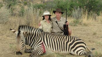 Hányan kellenek egy zsiráf fejének lefűrészeléséhez?