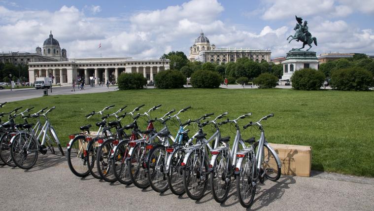 700 eurós büntetés, ha áttolod a bringád a parkon