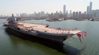 Kihajózott Kína első saját gyártású repülőgép-hordozója