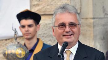 Betelt a pohár az Orbán-párti konzervatív jogászprofesszornál