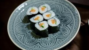 Azt mondták: megtanítanak sushit tekerni