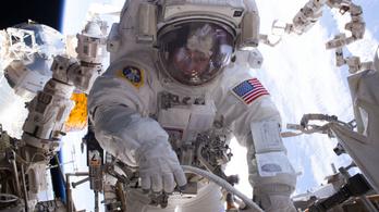 Lassan elfogynak a NASA űrruhái