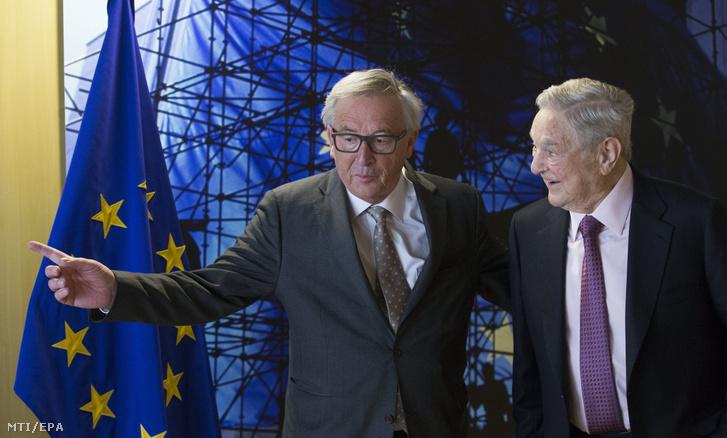 Jean-Claude Juncker az Európai Bizottság elnöke fogadja Soros György magyar származású amerikai üzletembert a New York-i Soros Fund Management befektetési társaság elnökét Brüsszelben 2017. április 27-én.
