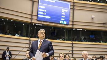 Orbán gratulált Macronnak