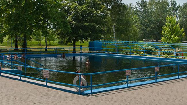 Új medencéket kaphat a tiszacsegei termálfürdő