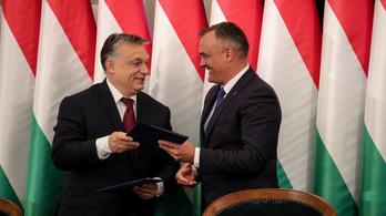 Orbán: Be vagyok kerítve, és el akarnak veszejteni
