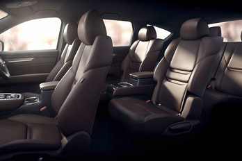 Új Mazda jön, a CX-8