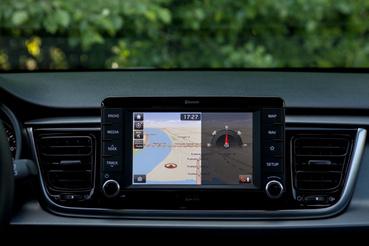 A TomTom navigáció és a tolatókamera negyedmilliós extra
