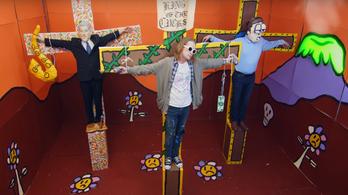 Kurt Cobainként feszítették keresztre Macaulay Culkint