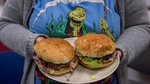 Teszt: megkóstoltuk a környék rendelős hamburgereit