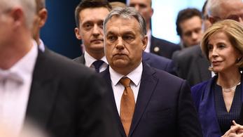 Orbán Viktor is hátsó ajtón jött az Európai Tanácsba